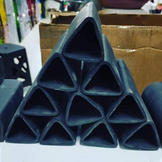 Siyah Üçgen Vatoz Üretim Küpü Akvaryum Malzemeleri